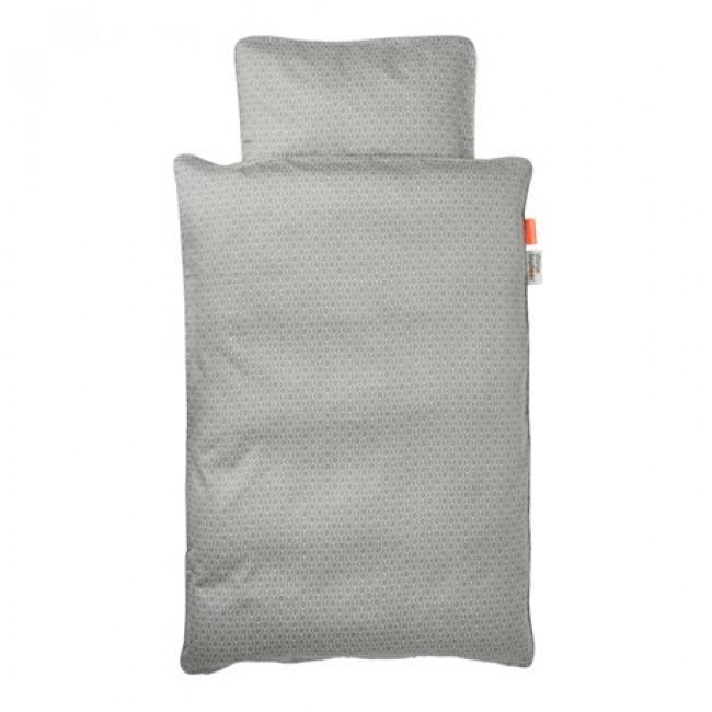 siva-posteljina-za-bebe