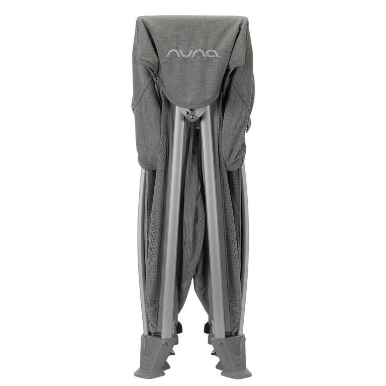 Nuna® Prenosna posteljica Sena™ Aire + rjuha Frost